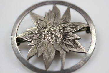 Geschnittene Silberbrosche handarbeit echt Silber